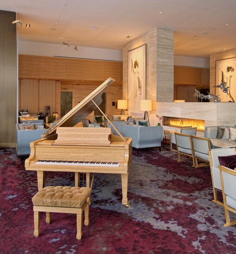 Shangri La Otel İçin